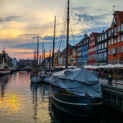Guide 2020: 7 populære restauranter i Nyhavn med 1/3 skåret af prisen